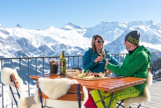 Narty w Alpach dla oszczędnych, czyli 10 wskazówek na tani zimowy urlop
